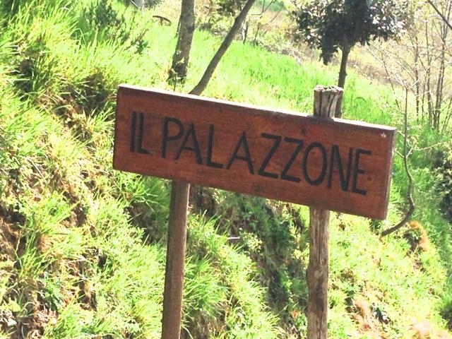 Il Palazzone sign